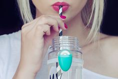 Ulla makes your water bottle smart, reminds you to fill-up and ensures you stay properly hydrated throughout the day.