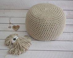 Puf z Bobbiny Crochet Pouf, Knitted Pouf, Crochet Carpet, Crochet Dolls, Crochet Videos, Irish Crochet, Bean Bag Chair, Diy And Crafts, Diy Projects