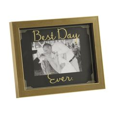 It's the most wonderful time of the year so highlight your most wonderful memories! Shop 'Gifts Under $25' at Kirkland's and find items like the 'Black and Gold Best Day Ever Picture Frame' that family and friends can enjoy over the holidays.