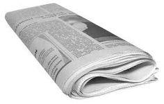 Kranten om je ramen te wassen! Pak een emmer met warm water en doe daar een beetje azijn in. Was je ramen met de de krant. Maak van een nieuwe krant een prop en wrijf hiermee je ramen weer droog. het resultaat is verbluffend.