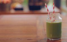 Suco verde é uma opção saudável para o café da manhã ou para o lanche