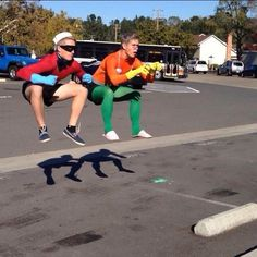 Spongebob Squarepants Cosplay - Mermaid Man and Barnacle Boy. Well, this is a rather enjoyable piece of cosplay. Spongebob Memes, Spongebob Squarepants, Amazing Cosplay, Best Cosplay, Funny Cosplay, Male Cosplay, Boy Costumes, Cosplay Costumes, Duo Halloween Costumes