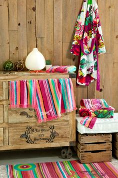 LuxPad Mode || Tropical Trip Interior Trend   Add bright Caribbean colours || Image courtesy of Desigual