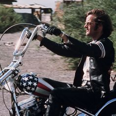 The alleged last authentic motorcycle used in the 1969 film Easy Rider is going up for auction. Car Buying Tips, Car Buyer, We Movie, Easy Rider, Professional Photographer, Used Cars, Movie Stars, Bicycle, Pure Products