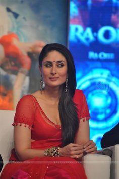 Sonakshi Sinha Saree, Kareena Kapoor Bikini, Kareena Kapoor Photos, Deepika Padukone Hot, Kareena Kapoor Khan, Most Beautiful Bollywood Actress, Bollywood Actress Hot, Bollywood Actors, Bollywood Celebrities