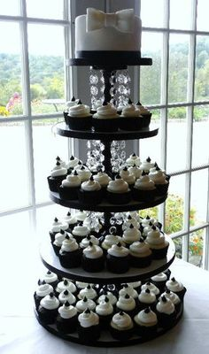 This is the cup cake cake I was telling you about.  Go to my albums and look at the wedding album.  @Robin S. Porter