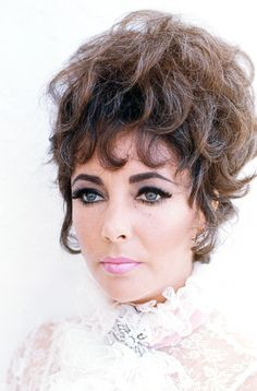 Elizabeth Taylor and violet eyes | CLASSIC HOLLYWOOD ...
