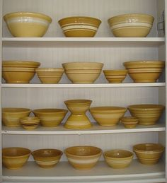 frugal farmhouse design: my kitchen story - yellow ware Mccoy Pottery, Pottery Bowls, Vintage Pottery, Earthenware, Stoneware, Yellow Houses, Old Farm Houses, Yellow Cream, Vintage Bowls