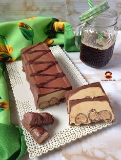 Poached bar with tangerine essential oil - Healthy Food Mom Chocolate Biscuit Cake, Chocolate Ice Cream, World Recipes, Gourmet Recipes, Torrone Recipe, Choco Loco, Cookie Dough Recipes, Cooking Cake, Low Carb Bread