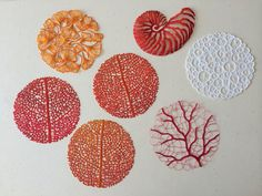 Australian artist Meredith Woolnough using water-soluble fabric, her beautiful embroidery, which is inspired by nature's most graceful forms, gains a new dimension of lightness and delicacy. Art Fibres Textiles, Textile Fiber Art, Textile Artists, Embroidery Art, Cross Stitch Embroidery, Embroidery Patterns, Machine Embroidery, Tela Soluble En Agua, Water Soluble Fabric
