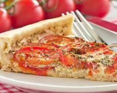 Quiche d'été légère aux tomates à la moutarde : http://www.fourchette-et-bikini.fr/recettes/recettes-minceur/quiche-dete-legere-aux-tomates-la-moutarde.html