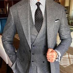 Doublebreasted vest under an essantial beautiful #bespoke grey suit