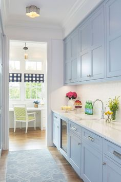 Kitchen Cabinet Colors With White Appliances 2020 - Home Comforts Pantry Room, Kitchen Pantry Cabinets, Backsplash For White Cabinets, Kitchen Cabinet Colors, Blue Kitchen Cabinets, Kitchen Colors, Kitchen Backsplash, Kitchen Sink, Blue Backsplash