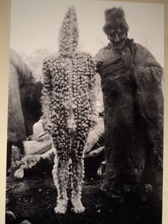 The Lost Tribes of Tierra del Fuego: Rare and Haunting Photos of Selk'nam People Posing With Their Traditional Body-Painting ~ vintage everyday Anima And Animus, The Doors Of Perception, Haunting Photos, People Poses, Bizarre, People Of The World, Tribal Art, Occult, Body Painting
