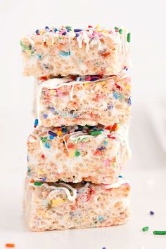 Confetti Rice Krispies Treats make an easy, no-bake funfetti treat for kids. Or uh...us. | Sprinkles For Breakfast