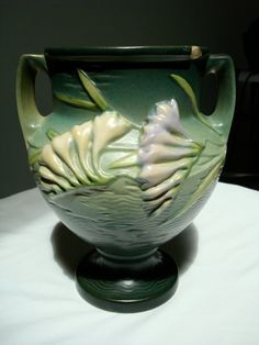 Love Roseville pottery