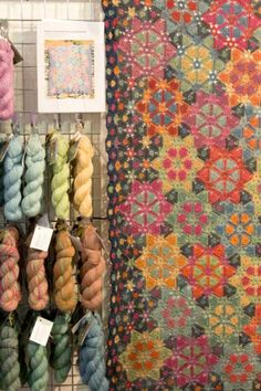 Natural Dye Studio triangles blanket seen at yarn festival (photo by wink) Crochet Stitches Patterns, Crochet Motif, Crochet Designs, Fair Isle Knitting, Knitting Yarn, Grannies Crochet, Crochet Afghans, Textile Fiber Art, Yarn Thread