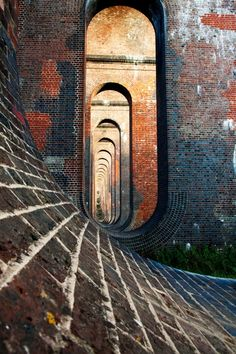Balcombe viaduct  Engineer John Urpeth Rastrick Architect David Mocatta Beautiful Architecture, Art And Architecture, Architecture Details, Brickwork, Environment Design, Brutalist, Abandoned Places, Scenery, Beautiful Pictures