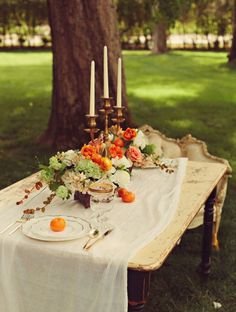 This table looks like something out of a magazine shoot. Stunning. #cedarwoodwedddings