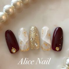 The advantage of the gel is that it allows you to enjoy your French manicure for a long time. There are four different ways to make a French manicure on gel nails. Simple Gel Nails, Summer Gel Nails, Winter Nails, Gel French Manicure, Manicure And Pedicure, Winter Nail Designs, Nail Art Designs, Korean Nail Art, Vintage Nails