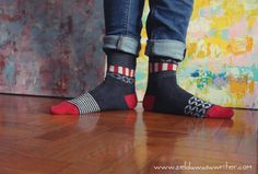 Trefle by Oybō: 1 pair, 2 different socks.