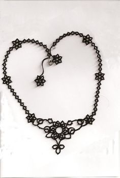 Flower necklace. Sulu's design.