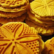Italian Waffle Biscuits (Pizzelles)