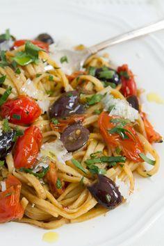 Easy Pasta Sauce, Pasta Sauce Recipes, Pasta Sauces, Italian Pasta Recipes, Italian Dishes, Simple Italian Recipes, Italian Sauces, Italian Cooking, Easy Dinner Recipes