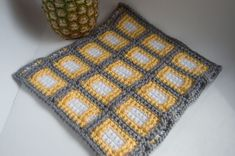 Yellow, grey and white Squares Squared Block crochet