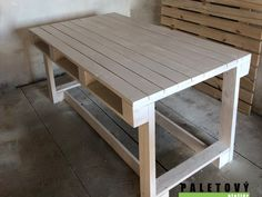 Jídelní stůl z palet Outdoor Furniture, Outdoor Decor, Projects To Try, Pallets, Table, Home Decor, Ideas, Woodwind Instrument, Decoration Home