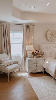 Master Bedroom Layout, Room Design Bedroom, Master Bedroom Makeover, Bedroom Layouts, Room Ideas Bedroom, Home Room Design, Small Room Bedroom, Home Decor Bedroom, Home Interior Design
