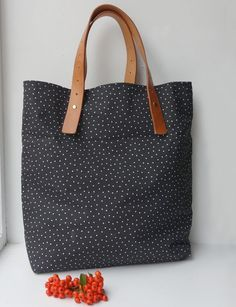 Make this bag with leather straps Tutorial.  AND 45 BEST Weekend Lifestyle DIY Tutorials EVER. DECOR, FURNITURE, JEWELRY, FOOD, WHIMSEY, PARTY from MrsPollyRogers.com