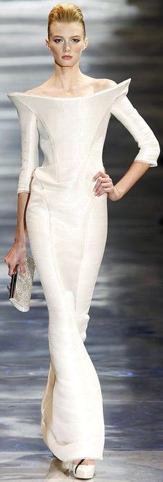 Armani Privé Haute Couture via: