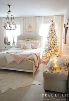 55 Creative Bohemian Bedroom Decor Ideas These trendy Home Decor ideas would gain you amazing compliments. Check out our gallery for more ideas these are trendy this year. Pink Gingham Wallpaper, Dear Lillie, Bohemian Bedroom Decor, Deco Boheme, Trendy Home Decor, Christmas Bedroom, Big Girl Rooms, Bedroom Styles, Dreams