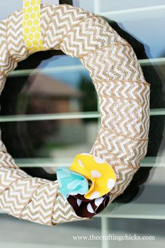 Burlap Wreath.. so easy!