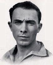 Carlo Carcano, l'unico allenatore ad aver vinto 4 scudetti consecutivi nel calcio italiano – tra il 1931 e il 1934 – durante il suo periodo con la Juve del Quinquennio.