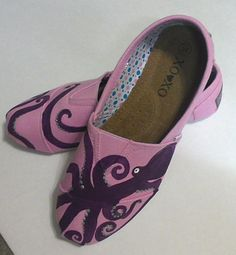 diy painted canvas shoes | Hand Painted Pink Canvas Shoes by 2Messy on Etsy, $26.00 | DIY's