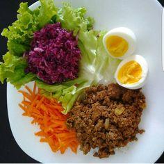 Almoço #gratidaoaocriador #comidadeverdade Healthy Eating Habits, Healthy Meal Prep, Healthy Snacks, Clean Eating Recipes, Diet Recipes, Healthy Recipes, Healthy Plate, Food Goals, Healthy Vegetables