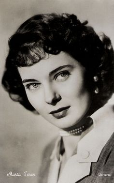 """""""Marta Toren (1926 – 1957) was a Swedish-American stage and film actress of the 1940's and 1950's with mesmerizing eyes. In her tragically short career, she spent more time in Hollywood and Italy than in her native country."""" #vintage #actress #movies #films #1950s"""