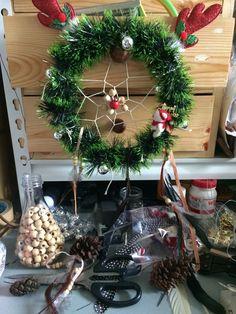 Artworks, Christmas Wreaths, Holiday Decor, Home Decor, Decoration Home, Room Decor, Home Interior Design, Art Pieces, Home Decoration