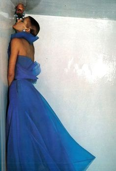 Photo by Guy Bourdin, 1972.