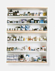 "Damien Hirst, ""Medicine Cabinet"" (1989). Exposición Tate Modern 2012."