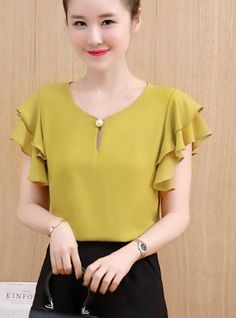 Tops for women – Lady Dress Designs Skirt Outfits, Chic Outfits, Fashion Outfits, Indian Blouse Designs, Mode Hijab, Cotton Blouses, Work Attire, Ladies Dress Design, Chiffon Tops