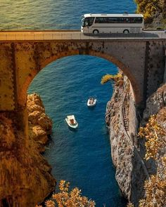 There are destinations that have a type of beauty that sparks a near universal thirst for adventure. The Amalfi Coast is one of those… Italy Pictures, Beau Site, Beautiful Morning, Amalfi Coast, Amalfi Italy, Plein Air, Photos Du, Naples, Italy Travel