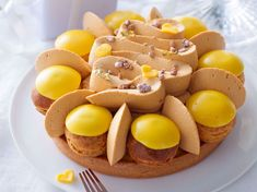 With the reporter readers of Femme Actuelle, discover the cooking recipes of the net surfers: Saint-Honoré mango-mandarin and caramel whipped cream French Desserts, Mini Desserts, Eclairs, Profiteroles, Food Cakes, Bakery Recipes, Cooking Recipes, Kreative Desserts, Vegetarian Sweets