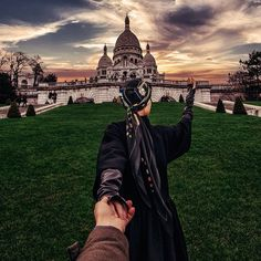 "218.5k Likes, 1,875 Comments - Murad Osmann (@muradosmann) on Instagram: ""#followmeto La Basilique du Sacre-Coeur, Paris with @yourleo."""