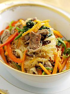 野菜たっぷり、彩り豊かな炒め物…