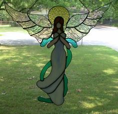 Pictures of suncatchers submitted by this web sites visitors Stained Glass Angel, Stained Glass Ornaments, Stained Glass Paint, Stained Glass Christmas, Stained Glass Projects, Stained Glass Windows, Stained Glass Patterns Free, Stained Glass Designs, Glass Art Pictures