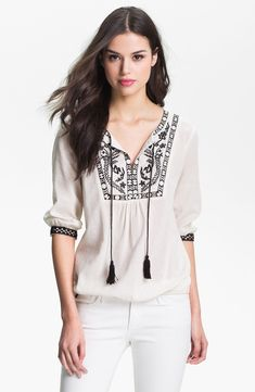 shipping and returns on Bellatrix Embroidered Peasant Top at . Homespun embroidery and lithe tassels complete the carefree vintage look of a soft peasant top finished in an elasticized blouson hem. Casual Chic, Boho Fashion, Fashion Outfits, Quoi Porter, Bohemian Mode, Indian Designer Outfits, Peasant Tops, Tunic Tops, Blouse Designs
