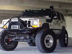Xj rig.  https://www.pinterest.com/dapoirier/4x4-and-trucks/